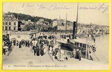 cpa Belle Animation 14 - TROUVILLE Débarquement du BATEAU du HAVRE Cie Normande