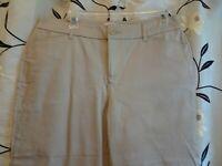 St. John's Bay Ladies Size 10 Khaki Capri/Cropped Pants-NWOT-4 Pockets-Stretch