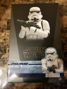 Hot Toys 1/6 Star Wars MMS514 Stormtrooper 1/6th scale.