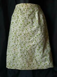 FITTED FLORAL Cotton PRINT Vintage 1960s Mini PENCIL SKIRT - 24 inch waist