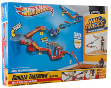 Hot Wheels Wall Tracks - Gorilla Takedown Track Set (Brand New)