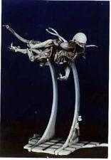 "11""x12"" Long Aqua Alien on Base Sci-Fi Movies Resin Model Kit 1/6"