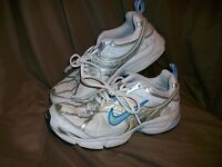 *USED* *WORN* NIKE AIR RUNNING SHOES WOMENS SIZE 7.5 SILVER BLUE WHITE