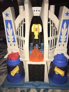 Vintage 2014 Mattel Imaginext Hall of Justice League Playset Super Hero Superman