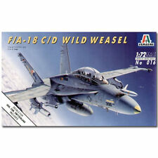 "ITALERI F / A 18 HORNET C / D ""WILD WEASEL"" 016 1:72 Aircraft model kit"