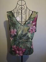 A LOVELY STYLISH WOMENS KIT PRETTY FLOWER TOP SIZE 18