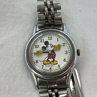 DISNEY MICKEY MOUSE LORUS WATCH Quartz V515-6080 A1
