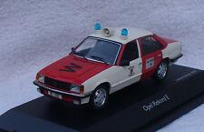 Opel Rekord E Feuerwehr Wuppertal 1:43 Schuco Modellauto / Die-cast