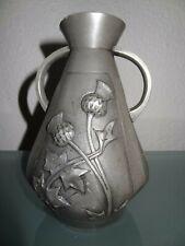 ancien vase en étain signé F. Cortesi art nouveau decors fleurs chardons