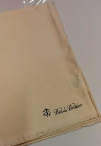 Brooks Brothers creme Pocket Square brand new 100% silk msrp $55