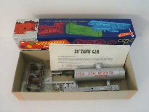 ROUNDHOUSE HO Scale RPM Motor Oil 26ft Tank Car Old Timer 3372 in Original Box