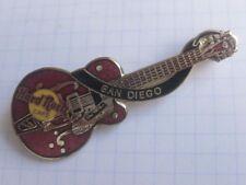 Hard ROCK CAFE/San Diego Red Eddie Cochran Guitar... Pin (ka6)