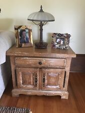 END TABLE LIKE NEW PAID 1132.99 SELLING FOR 427.50