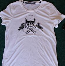 NWT Womens Nike M White/Black Skull Cross Bones Shoes Dri-FIt Shirt Medium 8-10