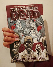 Walking Dead - Volume 1 by Robert Kirkman (4th Edition / Paperback)