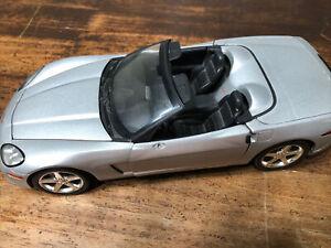 Hot Wheels 1:18 Corvette C6 Convertible - Machine Silver D11