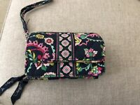 Vera Bradley Trifold Quilted Clutch Wallet ~ NWOT Several Zippered Compartments