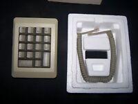 Apple Numeric Keypad for Macintosh 128k, 512K - PN M0120 in Original Box
