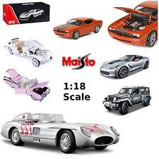 Modellini statici di auto, furgoni e camion Maisto per Cadillac