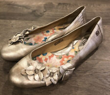 Born Concepts Womens Flats Size 9 Silver Metallic Flowers Slip On