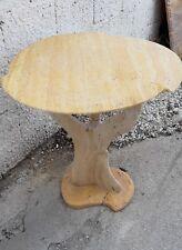 Tavolo Alberello in Travertini giallo e chiaro