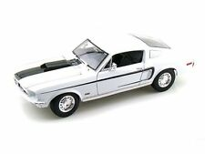 1:18 Maisto Ford Mustang Cobra Jet 1968 - BLANCHEUR