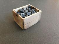 Kohlenkiste gealtertes Holz für Puppenhaus und als Ladegut für Lkw 1:12 Diorama