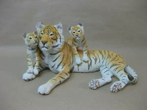 Country Artists Tiger & Cubs Figure / Ornament ~ 05467 ~ Hand Painted / Crafted