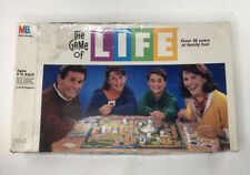 COLLECTIBLE, VINTAGE 1982 Milton Bradley The Game of Life Family Board Game FUN!