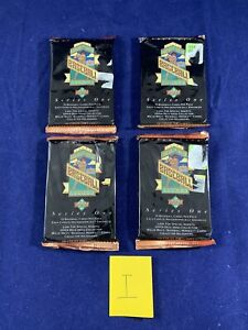 1993 Upper Deck Series 1 Baseball 4 Sealed Packs Holographically Enhanced Cards