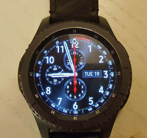 Samsung Gear S3 Frontier with BARTON genuine leather band