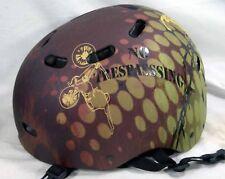 BELL Skateboard Helmet - Sz YOUTH