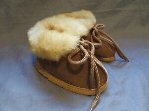 New Infant Baby Cloud Nine Sheepskin Slipper Booties Size Small 2-3 Carmel Brown
