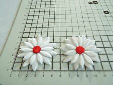 2x Satin White with Red, Big Applique- Daisy Motif,Trimmings,Wedding, 5.5cm