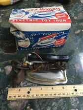 Vintage IT'S A HONEY Electric Toy Iron with original box