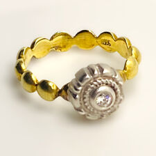 18k Yellow And White Gold Ring With Matte Finish And Diamond - Flower design