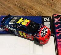 Action Jeff Gordon #24 DuPont 2002 Chevy Monte Carlo NASCAR Diecast 1:24