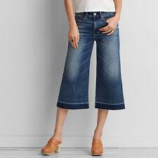 AEO Sz 00 Festival Crop Jeans Medium Wash Distressed Hem Wide Leg Capri Denim