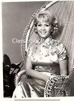 H232 Debbie Reynolds not sure what show ? 7 x 9 television photograph close up