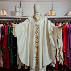 Casula Gotica bianca seta moirè lana cristalli paramenti sacri oro dorata
