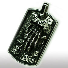 Schild mit Skelett Hand Edelstahl Anhänger Skull GothicTotenkopf Biker