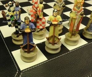 MEDIEVAL TIMES CRUSADES King Richard KNIGHT Chess Set BLACK FAUX LEATHER BOARD