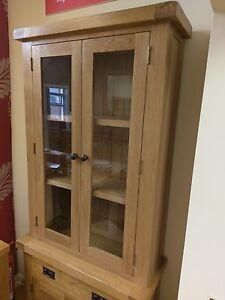 Kingsford Oak Small Dresser Top / Rustic Oak Display Cabinet / Bookshelf Unit