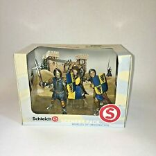New- Schleich Knights with Weapons Scenery Pack