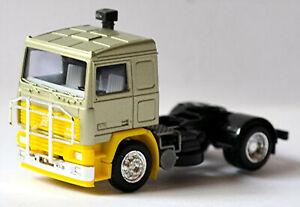 Volvo F12 SZM mit Kuhfänger verchromt 1993-2002 hellgrün metal 1:87 Albedo