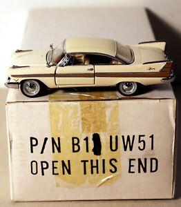 DTE 1:43 FRANKLIN MINT B11UW51 CREAM 1957 PLYMOUTH FURY NIOB
