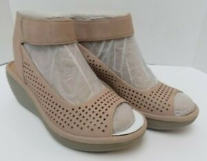 Clarks Collection Soft Cushion Sandals Ankle Strap Wedge Heel Beige Size 6M (EC)