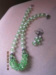 NECKLACE Faceted Glass Light Green & White Lucite Beads Cluster Front & EARRINGS