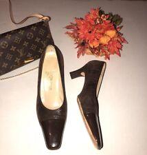 Women's Salvatore Ferragamo  Sz 7 1/2 B Brown Leather Suede Heels Made In Italy