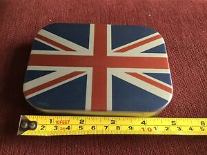 Rare Union Jack Wheatley fly box With 1 Dozen Orvis Dry Flies Brand New